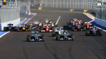 Mercedes not ready to let drivers 'off leash'