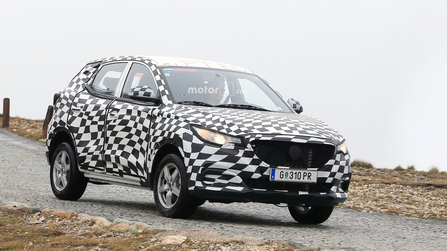 MG ZS Crossover spied under camouflage in the Alps