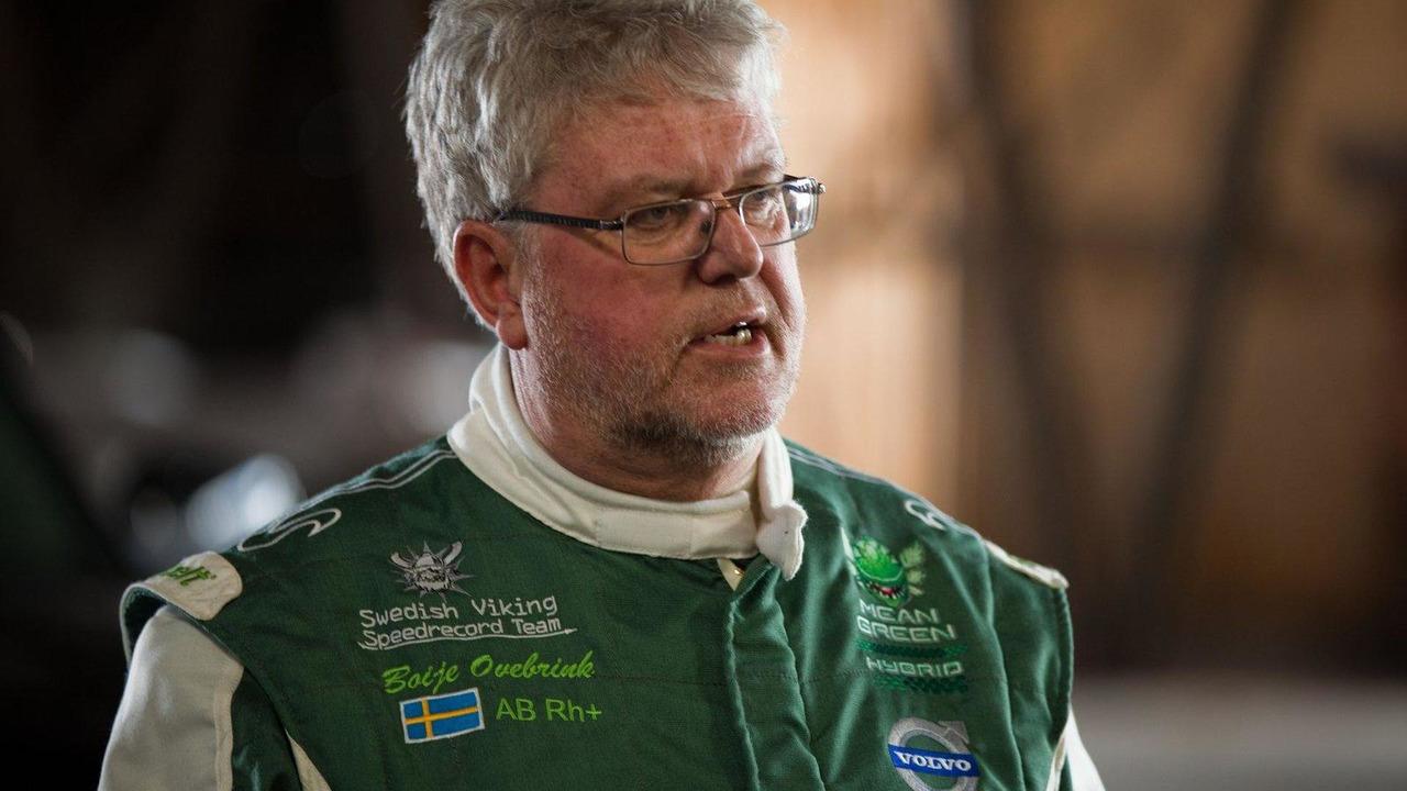 Boije Ovebrink, Volvo hybrid truck, Mean Green, sets new world speed records on April 27, 2012