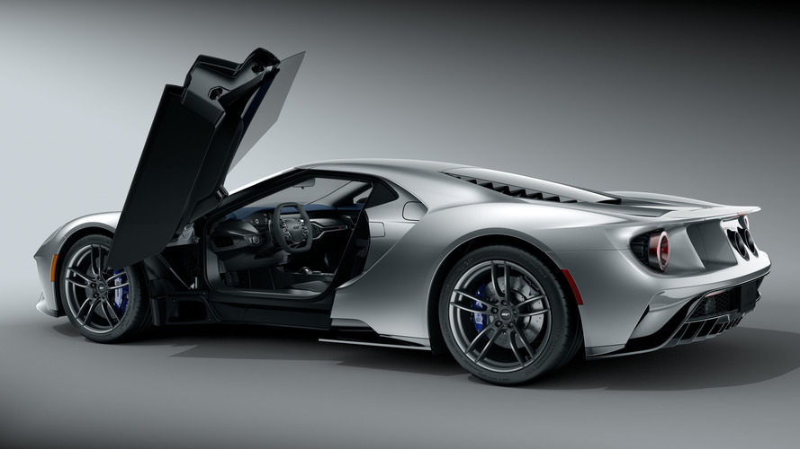 Ford GT has colorful calipers to highlight carbon-ceramic discs