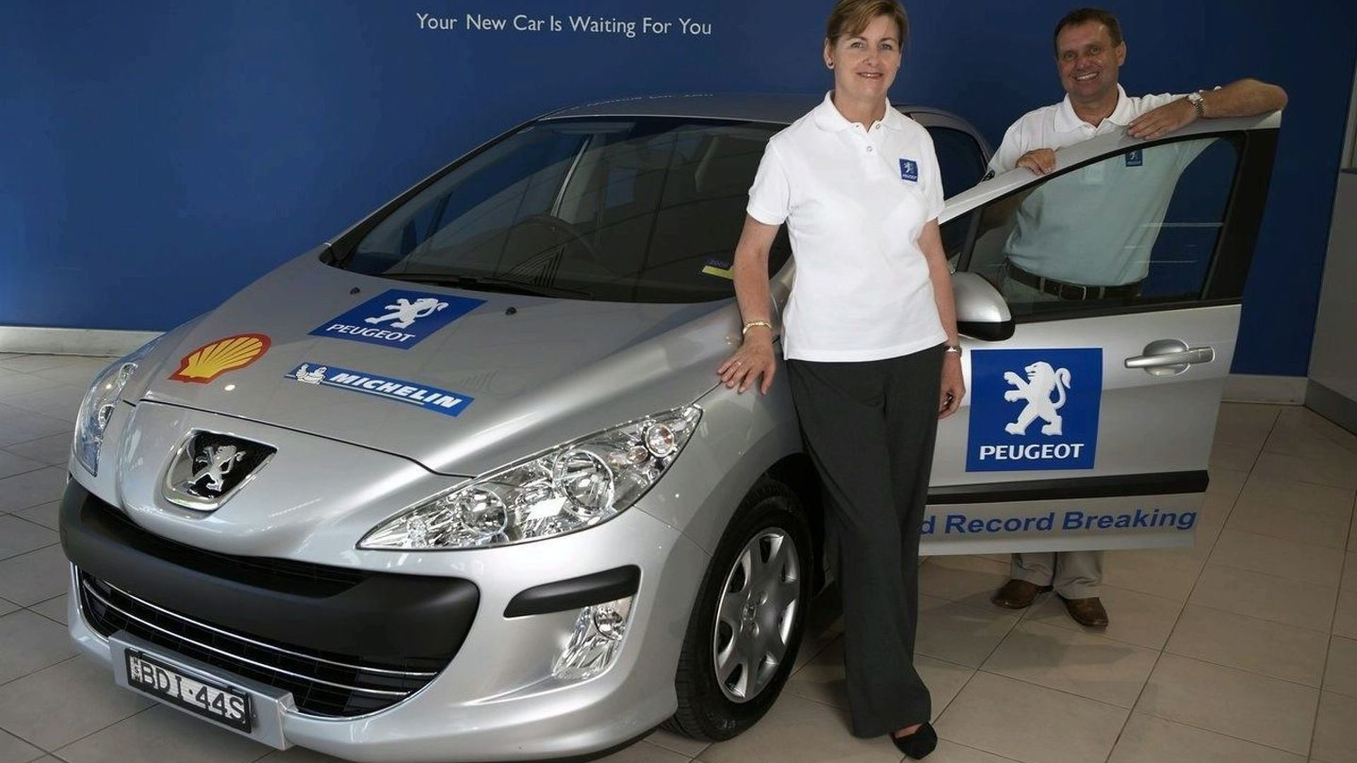 Peugeot 308 HDi Sets Two Fuel Economy Guinness World Records (AU)