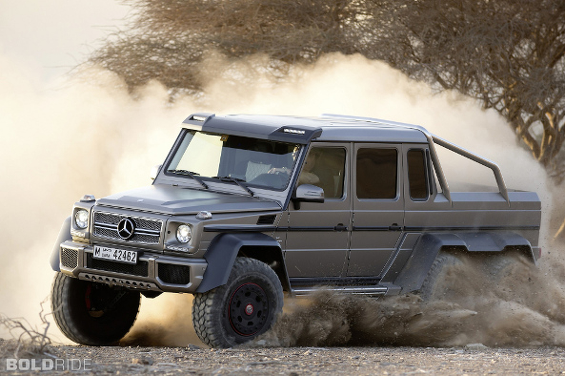 Mercedes-Benz G63 AMG 6x6 is Still Stunning in Photos