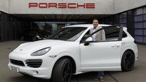 500,000 Porsche Cayenne 05.7.2013