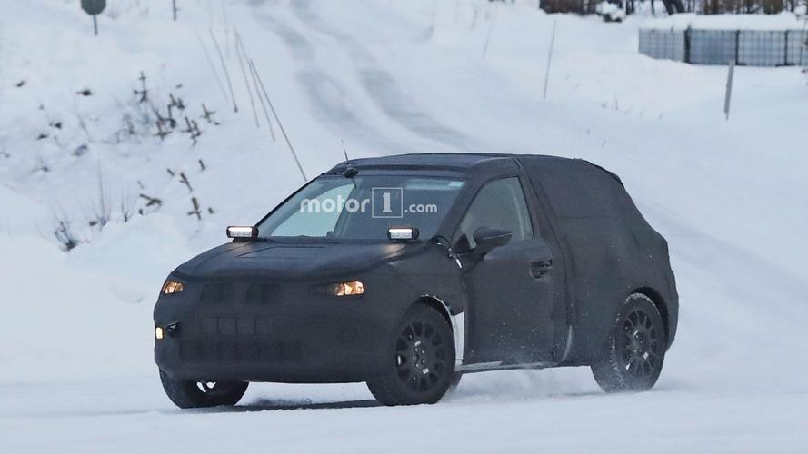Flagra - SUV do próximo VW Gol roda sob a marca Seat na neve
