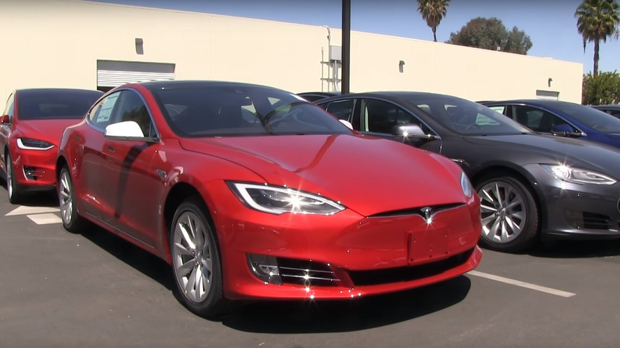 How does the grille-less Tesla Model S facelift look in real life?