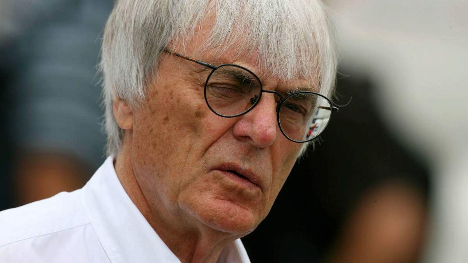 Ecclestone shows teams 18-race 2010 calendar