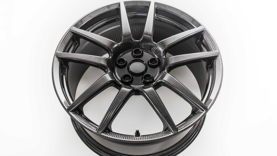 2017 Ford GT carbon fiber wheels save 2 pounds each