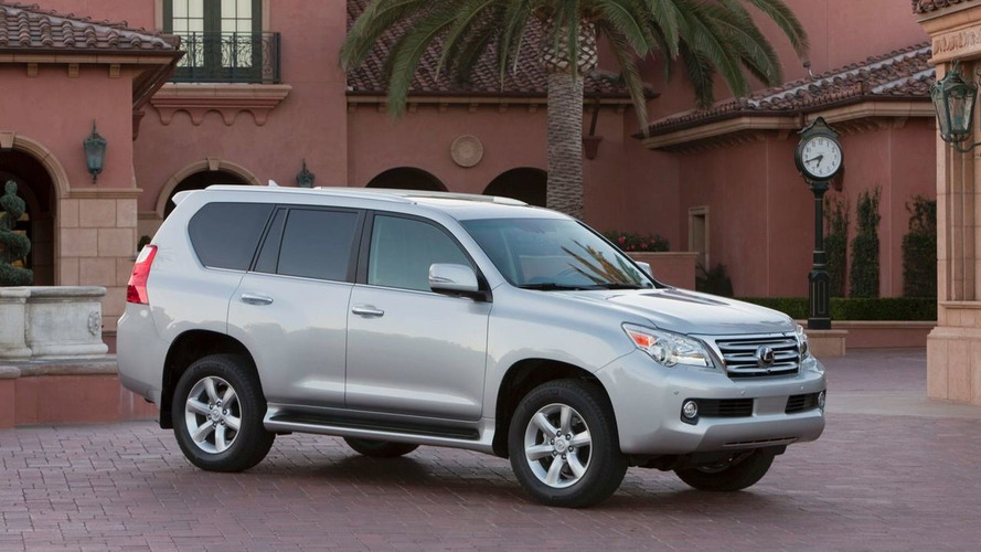 Toyota suspends Lexus GX 460 sales after rollover risk report