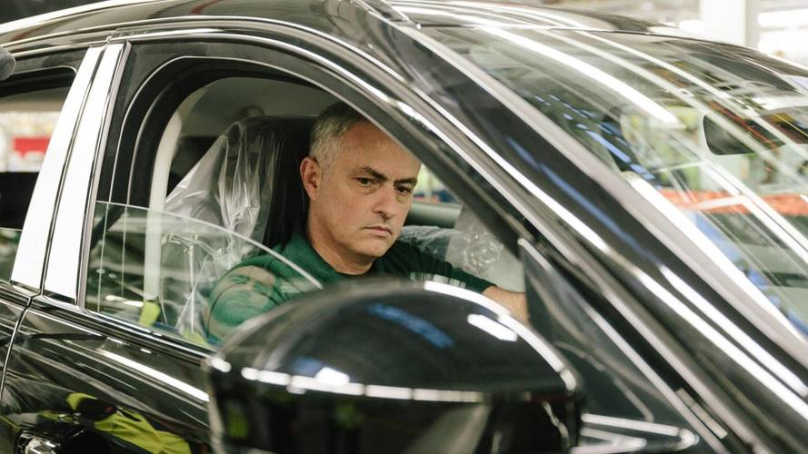 Jose Mourinho eyes up Jaguar's new formation