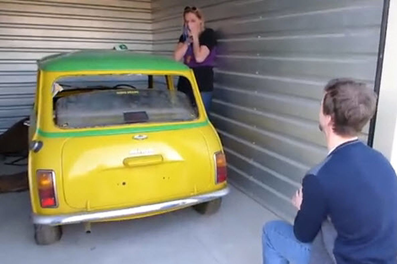 Dude Proposes to his Girlfriend with a 1975 Austin Mini [Video]