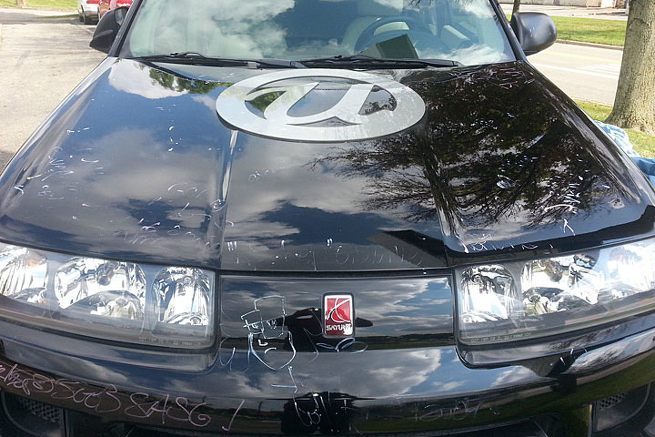 Saturn saturn 2004 : Can Buy Usher's 2004 MTV VMA Saturn Vue on eBay