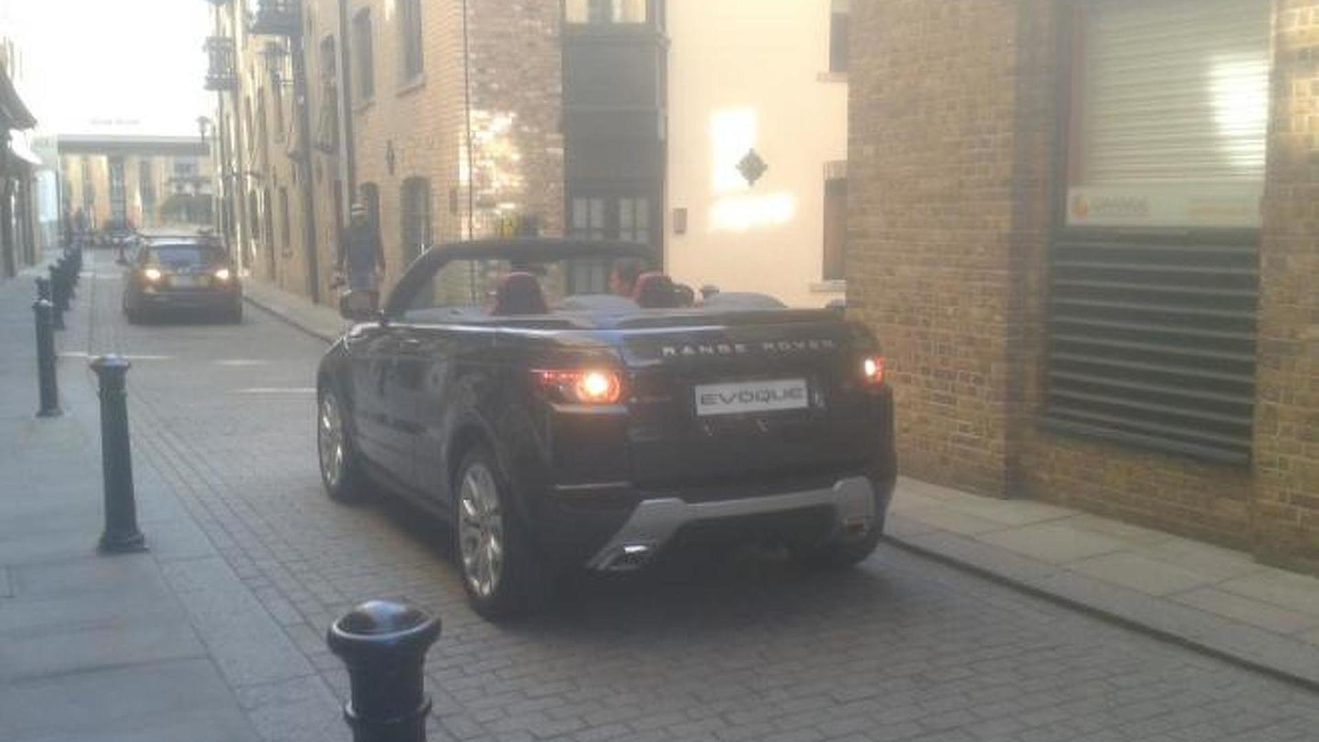 https://icdn-8.motor1.com/images/mgl/120oK/s1/2012-298464-land-rover-evoque-cabriolet-concept-spotted-in-london1.jpg