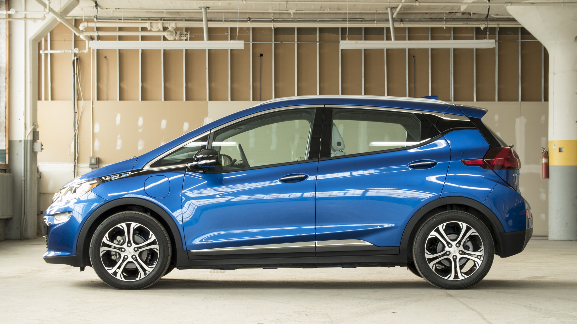 2017 chevy bolt why buy. Black Bedroom Furniture Sets. Home Design Ideas