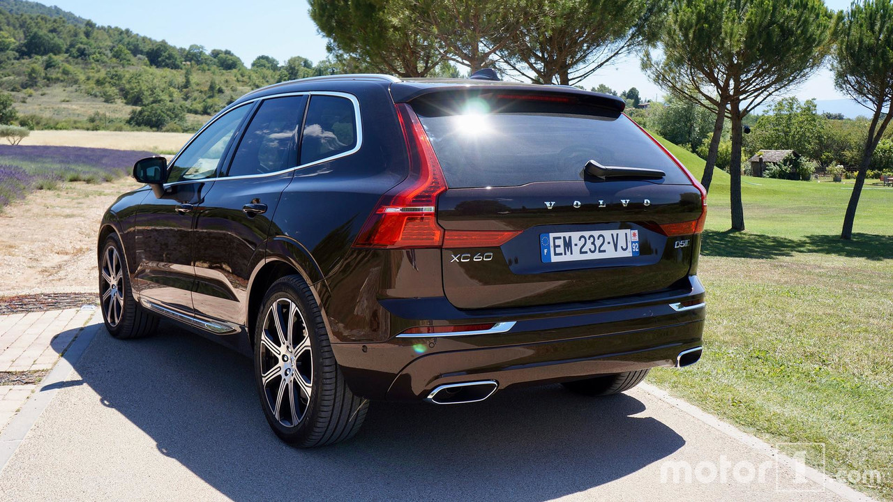 essai volvo xc60 essai vid o volvo xc60 d5 2017 le su ducteur essai volvo xc60 2017 le charme. Black Bedroom Furniture Sets. Home Design Ideas