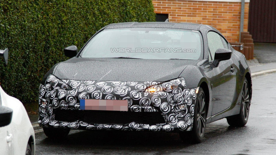 2017 Toyota GT 86 facelift spied for the first time