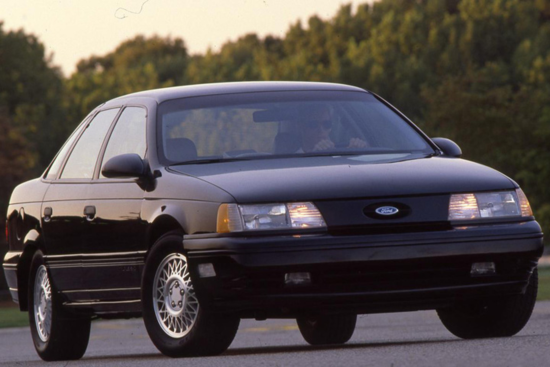 1990 Ford Taurus >> 1990 Ford Taurus Sho Pushes All The Right Buttons Throwback