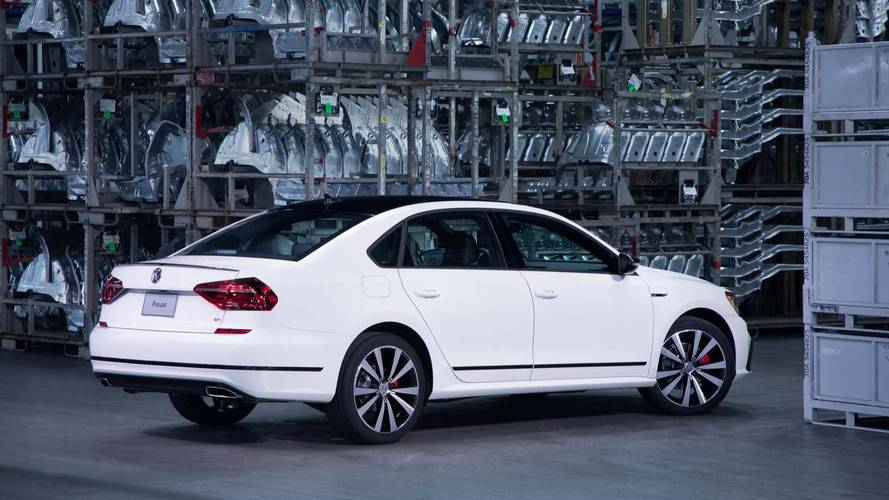2018 volkswagen passat gt seeks sport sedan approval in detroit. Black Bedroom Furniture Sets. Home Design Ideas