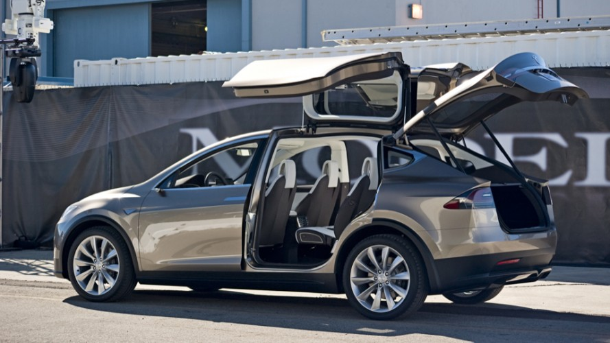 Tesla Owner's Insurance Premiums Increase Due To Costly Repairs