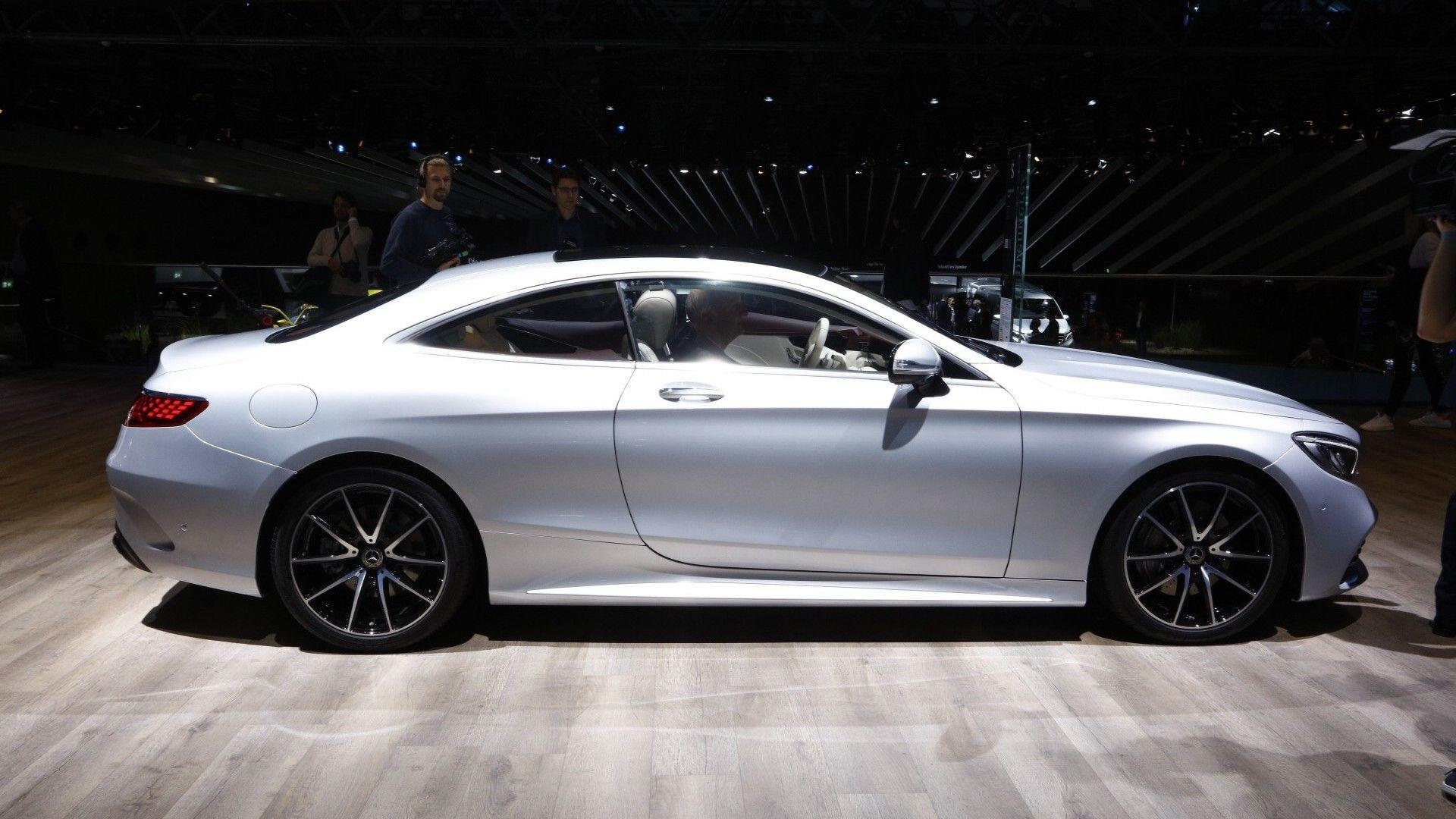 https://icdn-8.motor1.com/images/mgl/30nbX/s1/2018-mercedes-s-class-coupe-cabriolet-live-in-frankfurt.jpg