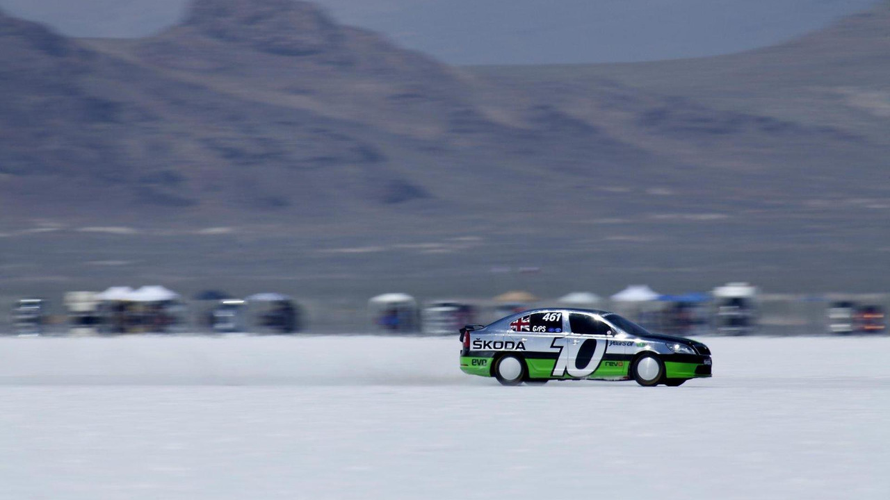Skoda Octavia vRS at Bonneville hits 200 mph 16.08.2011