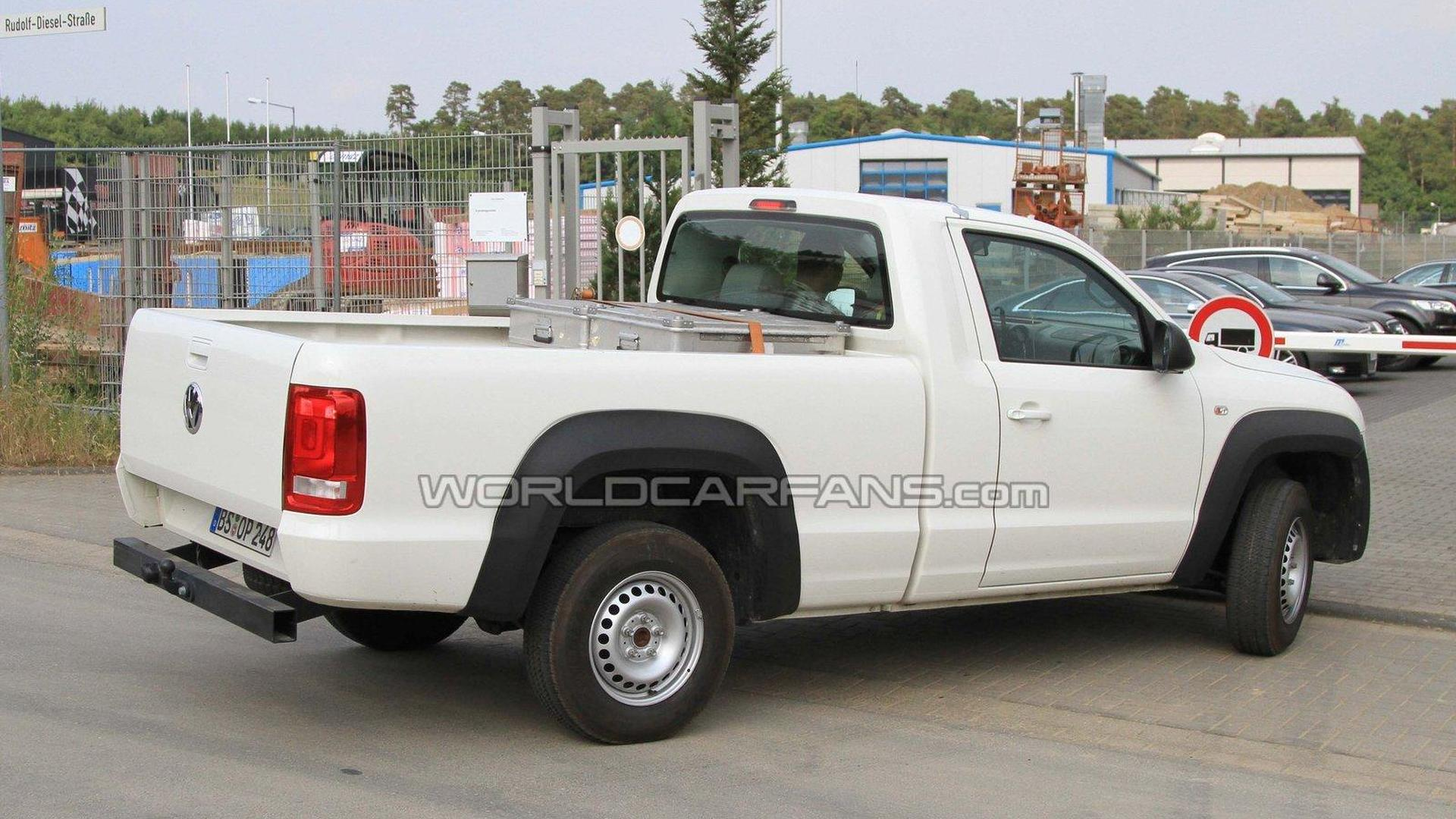 vw amarok goes single cab for 2011 spy photos. Black Bedroom Furniture Sets. Home Design Ideas