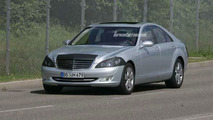New S-Class by Mercedes-Benz Spy Photos W221
