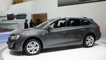 Chevrolet Cruze Station Wagon live in Geneva 06.03.2012