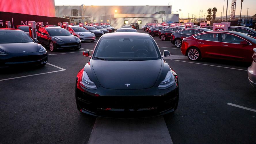 Yeni Tesla Model 3 performans versiyonunun fiyatı belli oldu