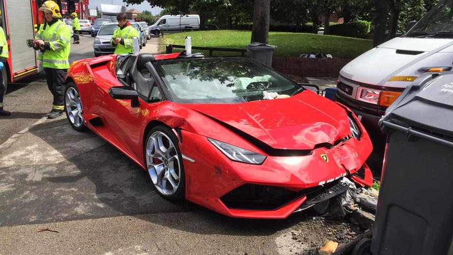 Kölcsönzött Lamborghinit törtek az Egyesült Királyságban