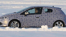 Next-gen 2014 Renault Clio prototype spy photo