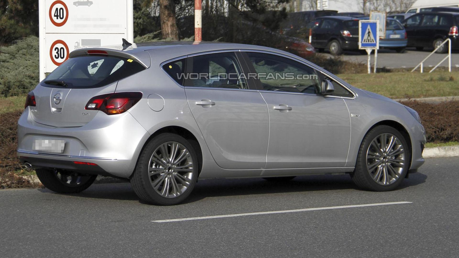 2013 opel astra facelift spied undisguised. Black Bedroom Furniture Sets. Home Design Ideas