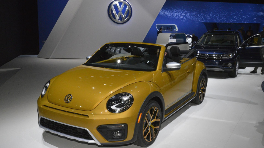 2016 Volkswagen Beetle Dune unveiled ahead of LA debut