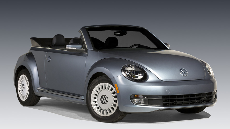 2016 Volkswagen Beetle Denim unveiled with a denim-inspired soft top