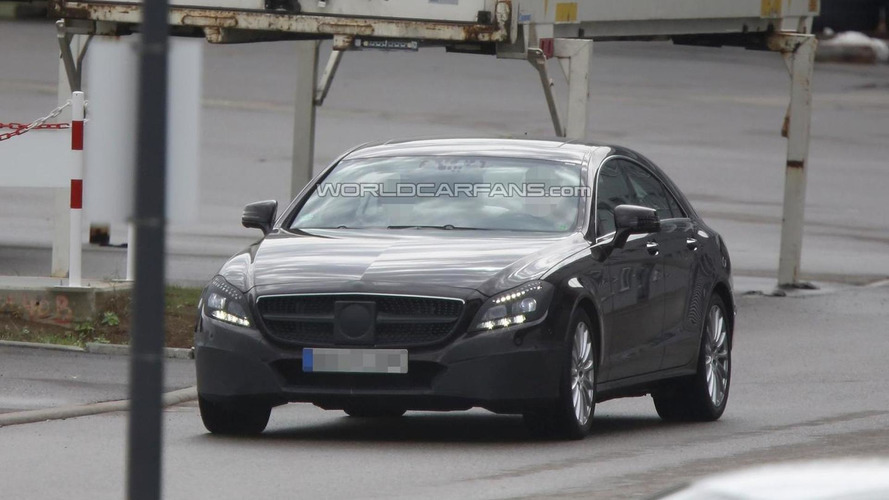 2015 Mercedes-Benz CLS facelift spied hiding new front fascia