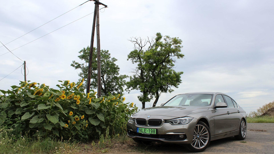 BMW 330e Teszt