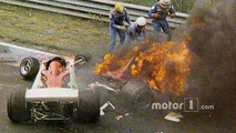 Niki Lauda, Ferrari 312T2 on fire after crashing near Bergwerk corner