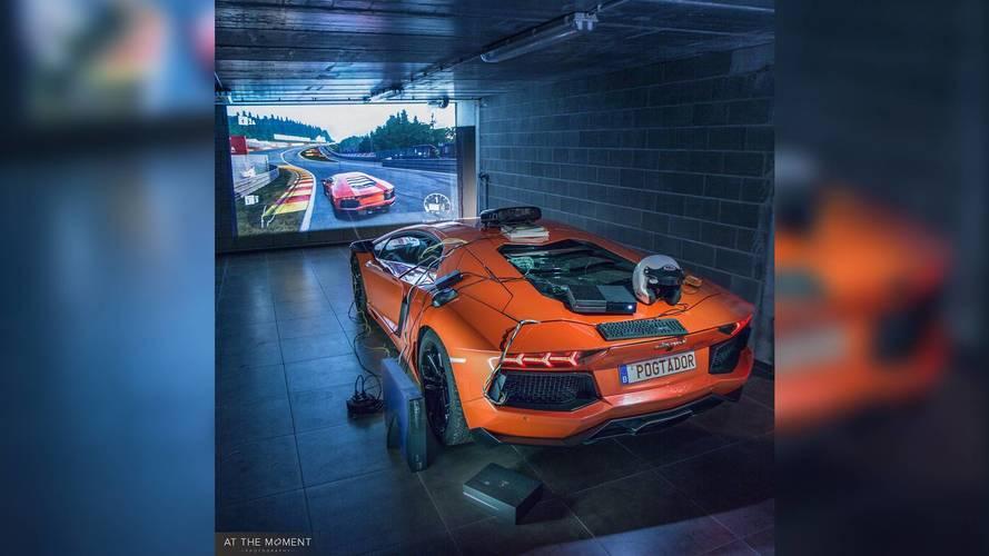 VIDÉO - Il transforme sa Lamborghini Aventador en manette Xbox !