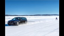 189 km/h auf Skiern hinterm Jaguar