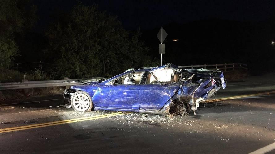 Ismét halálos kimenetelű baleset részese volt egy Tesla Model S