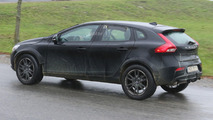 Volvo XC40 spy photos