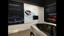 Tesla, flagship store Milano