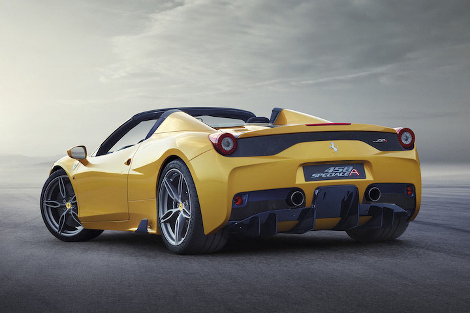 Ferrari 458 Speciale A Goes 200MPH Without a Roof