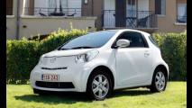Toyota iQ su strada