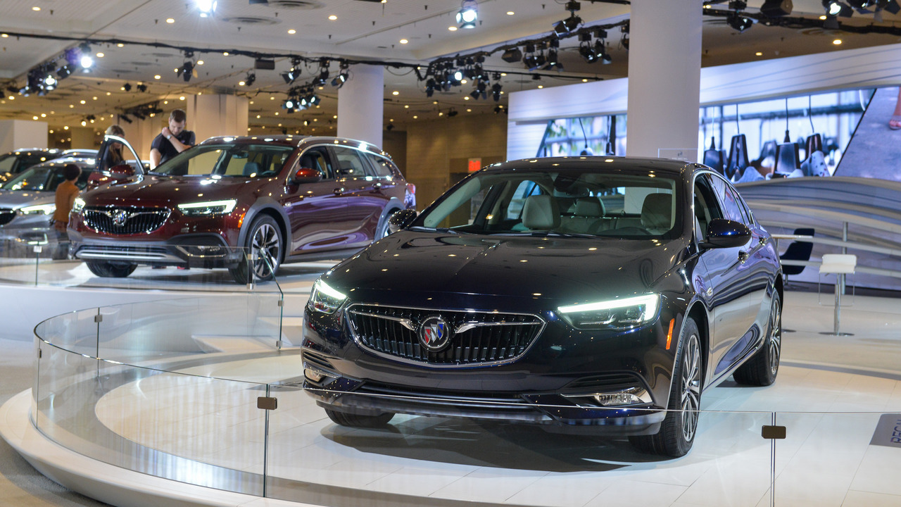 2018 Buick Regal Sportback - New York 2017