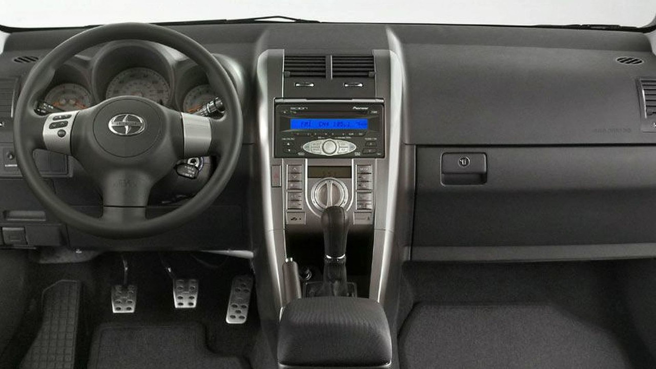 2006 Scion tC interior