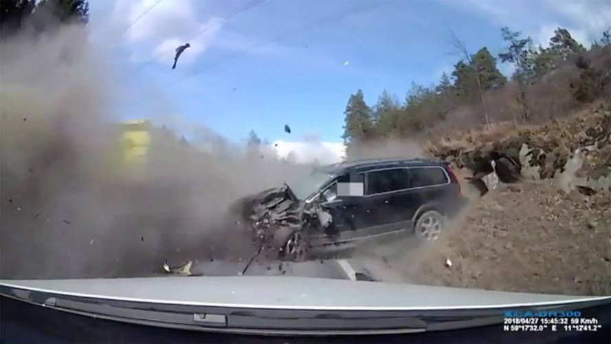 Brutal Head-On Truck Collision Shows Volvos Are Amazingly Safe