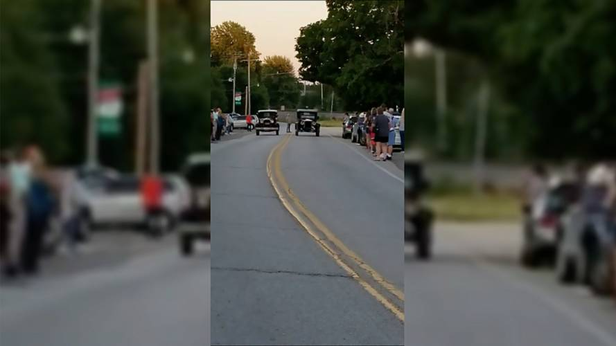 Ford Model A Vs. Model T Might Be The Slowest Drag Race Ever
