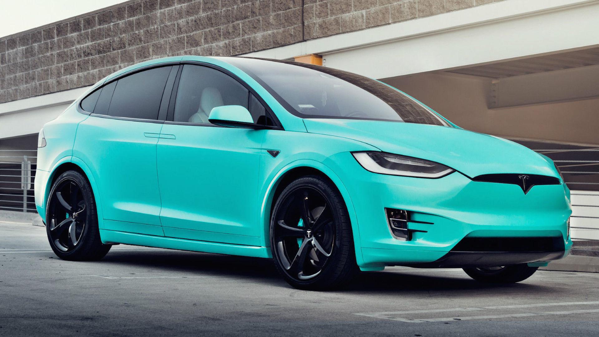 Tesla встановила новий світовий рекорд: більше тисячі кілометрів без підзарядки
