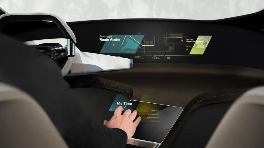 Chega de tela com marca de dedos - BMW mostra sistema holográfico de controle