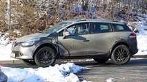 Renault Captur spy shots